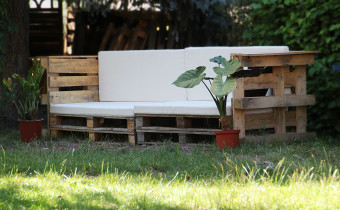 Outdoor-Couch-Europaletten-Sofa_0630